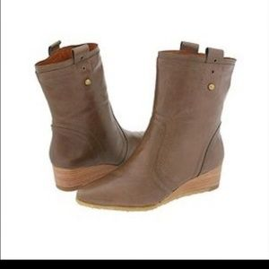FRYE Sunny Gray Wedge Short Leather Boots